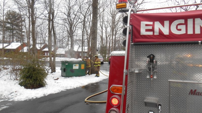 ENGINE 17 RESPONDS TO DUMPSTER FIRE